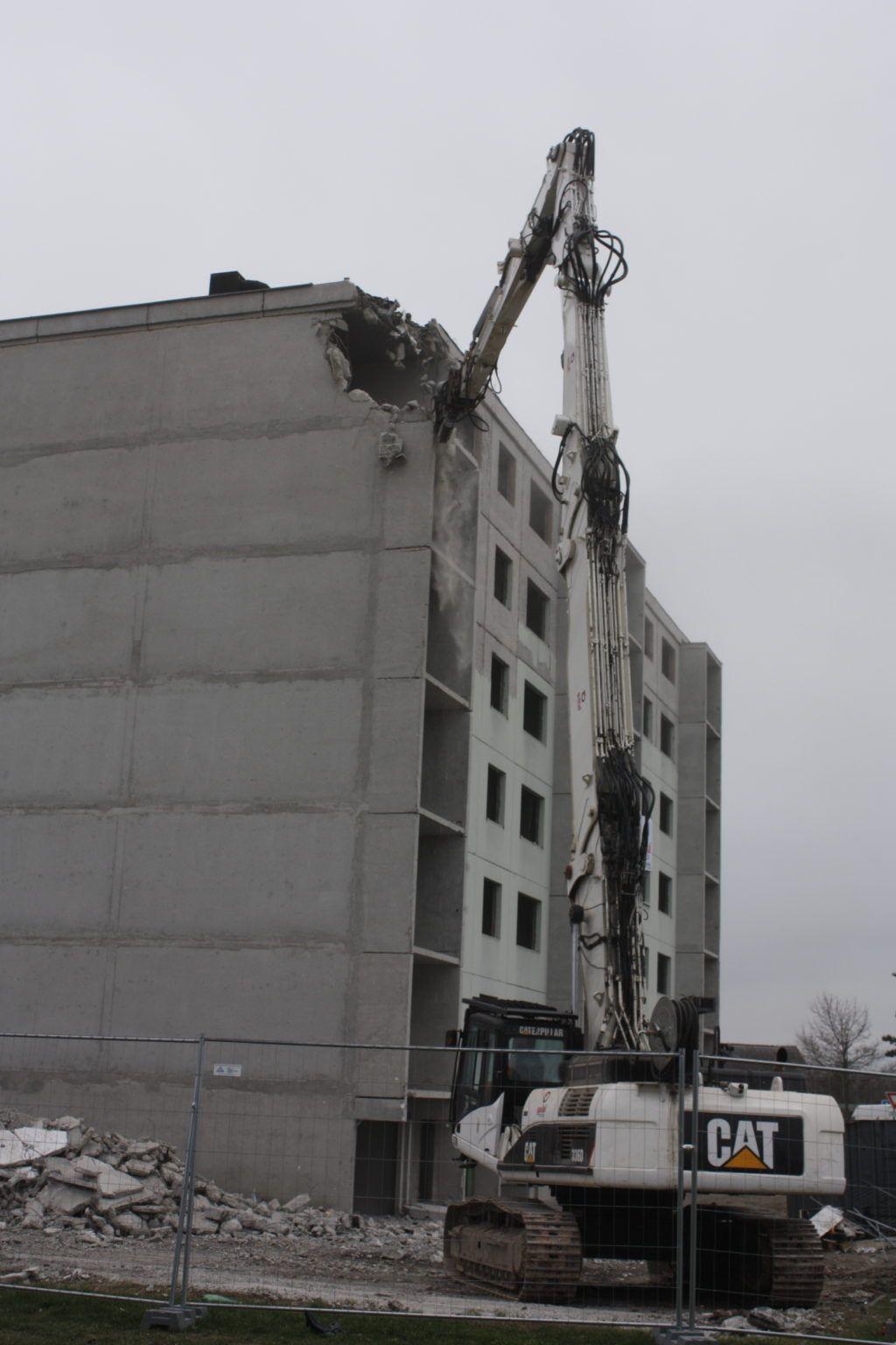 Travaux de déconstruction mécanique réalisés par l'entreprise Gaïal pour Domial sur le site de Wittelsheim
